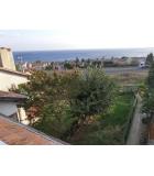 Site içerisinde deniz manzaralı Villa